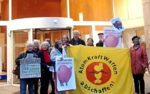 29.10. um 16 Uhr vor der Filiale der Deutschen Bank in Georgsplatz. Foto: Friedensbüro Hannover